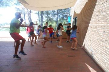 campamento-verano-ingles-madrid-baile